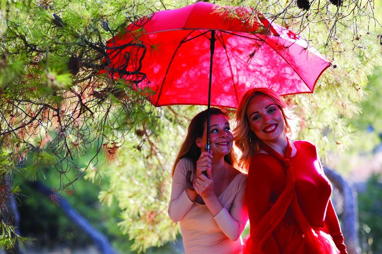 Κερδίστε 4 διπλές προσκλήσεις για την παράσταση «Το ταξίδι της κόκκινης ομπρέλας» στην Αθηναϊκή Σκηνή Κάλβου-Καλαμπόκη (20/10)