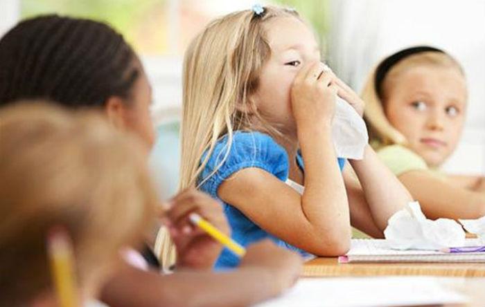 """Με ποιους φυσικούς τρόπους θα αντιμετωπίσετε τις """"σχολικές"""" ιώσεις"""