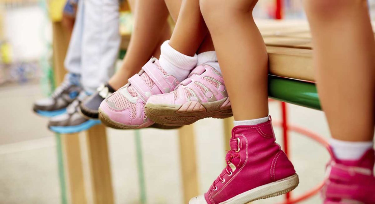 Ανακαλούνται επώνυμα παιδικά παπούτσια από την αγορά – Μην τα φοράτε στα παιδιά σας