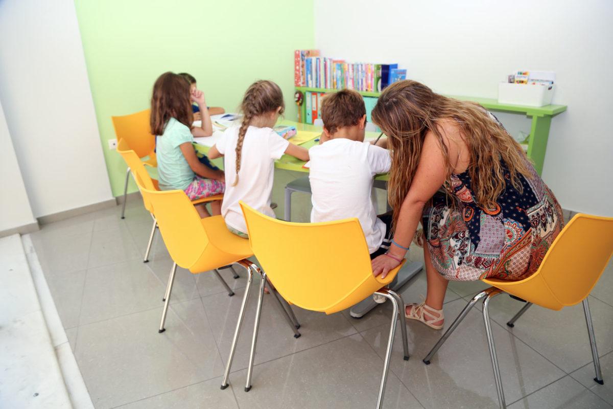 Άδεια φροντιστηρίου για μαθήματα Δημοτικού και κατάργηση ιδιαίτερων μαθημάτων στο σπίτι ζητούν οι φροντιστές