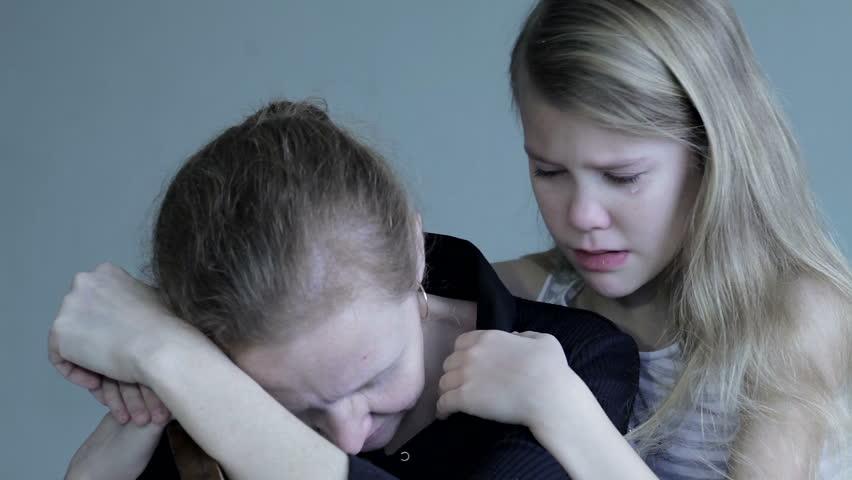 Είδηση σοκ στην Πάτρα: Μάνα με 3 παιδιά έκανε απόπειρα αυτοκτονίας γιατί την απέλυσαν