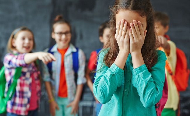Βullying: 8-10 περιστατικά συμβαίνουν στην αυλή του σχολείου στο τελευταίο διάλειμμα
