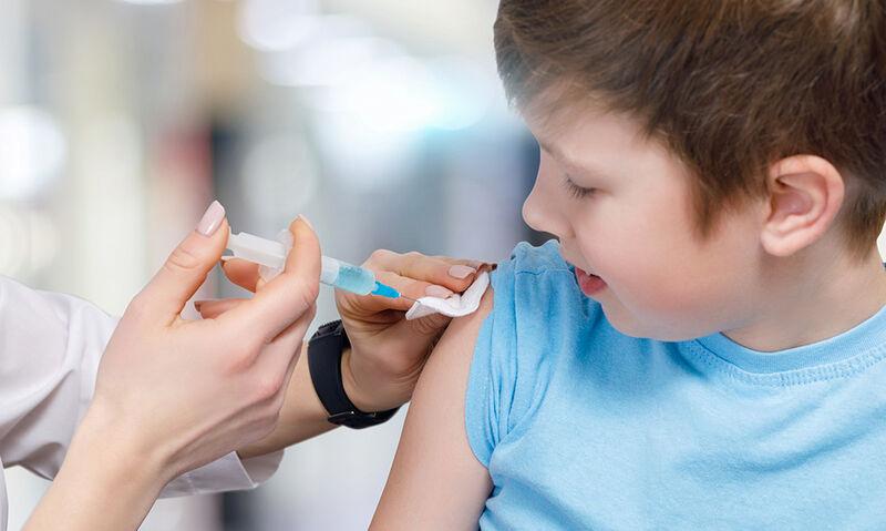 Ιατρικός Συλ. Αθηνών: Υποχρεωτικός βασικός εμβολιασμός για εγγραφή των μαθητών στο σχολείο