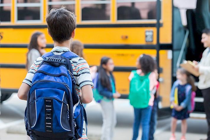 Είχαν ξεχάσει και μαθητή σε σχολική εκδρομή: Νέα καταγγελία για το ιδιωτικό σχολείο της Παλλήνης