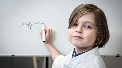 Γνωρίστε τον 9χρονο που ετοιμάζεται να αποφοιτήσει από το Πανεπιστήμιο εννέα μήνες αφού το ξεκίνησε