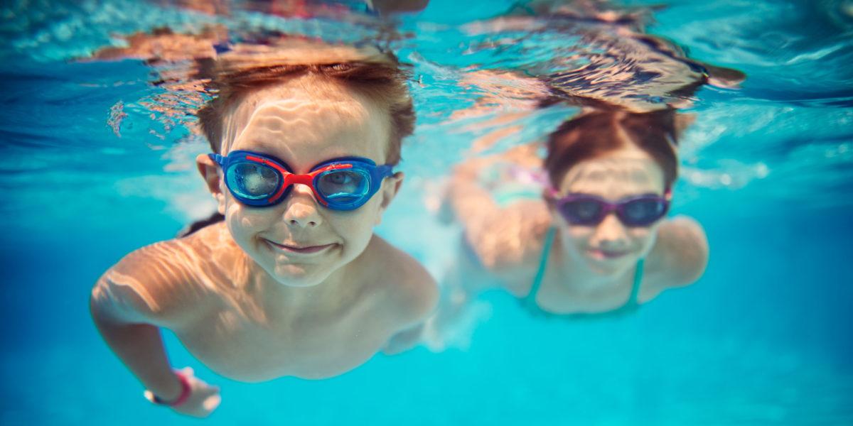 Το μάθημα της κολύμβησης στα δημοτικά σχολεία ξεκίνησε – Δείτε σε ποιες περιοχές