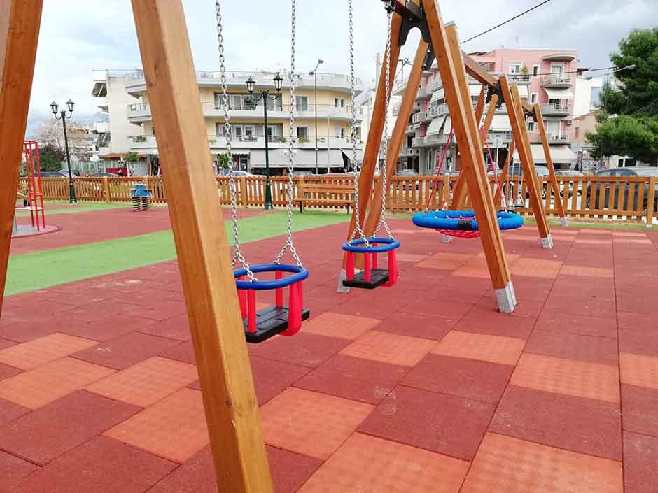 Ο Δήμος Κορίνθου απέκτησε την δική του πιστοποιημένη και για ΑμεΑ παιδική χαρά