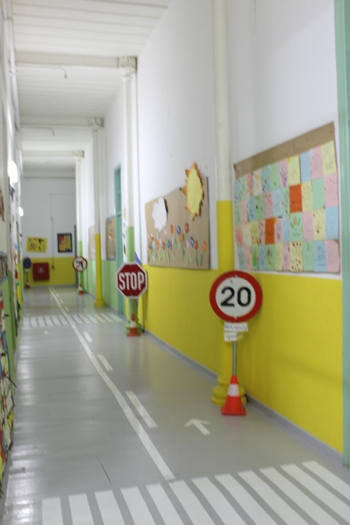 Αυτό το δημόσιο σχολείο στην Τήνο έχει την καλύτερη κυκλοφοριακή πίστα που είδαμε ποτέ!