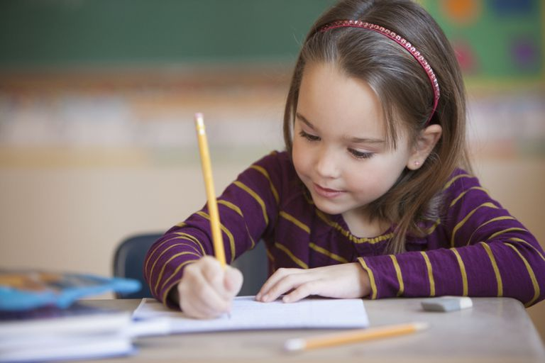 Έρευνα: Με μολύβι και χαρτί οι μαθητές είναι αποδοτικότεροι