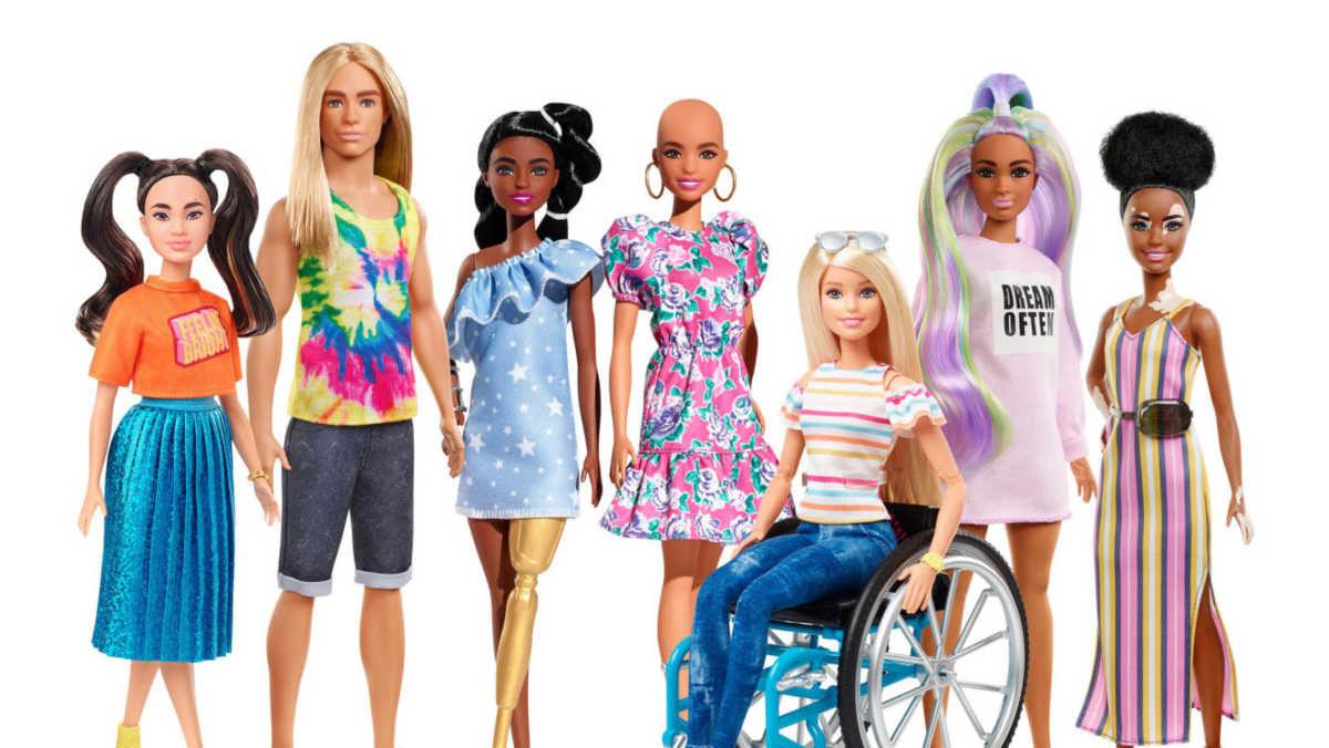 Οι νέες Barbie χωρίς μαλλιά και με λεύκη αποτελούν ωδή στη διαφορετικότητα