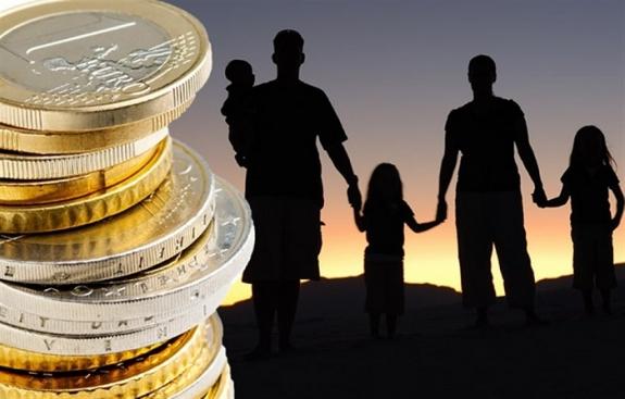 Επιστρέφει το επίδομα των 500 ευρώ σε τρίτεκνες και πολύτεκνες οικογένειες