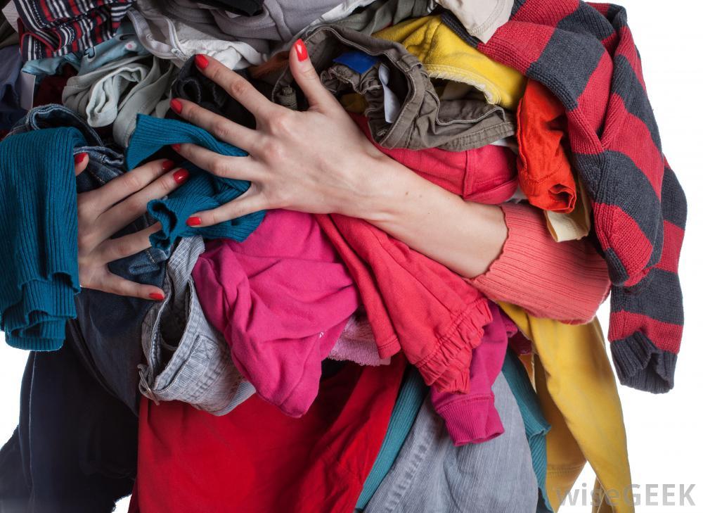 Δ. Αθηναίων: Θα τοποθετηθούν κάδοι για ανακύκλωση βιβλίων και ρούχων – Δείτε σε ποια σημεία της πόλης