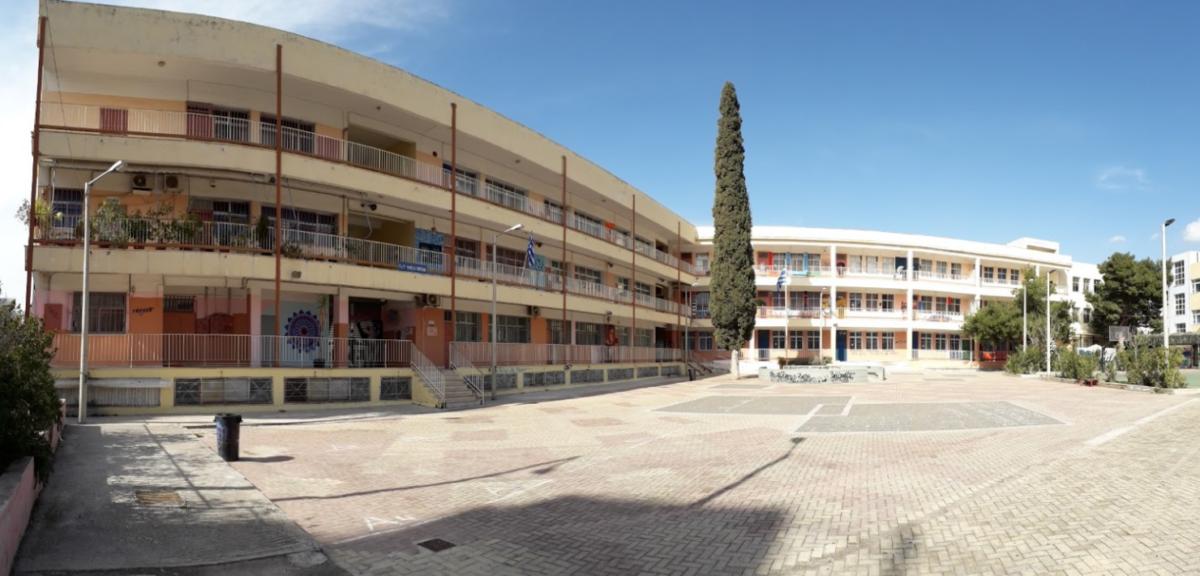 """Ν. Κεραμέως: """"Γιος καθηγήτριας ο ένας από τους δράστες του ξυλοδαρμού σε σχολείο του Βύρωνα"""""""