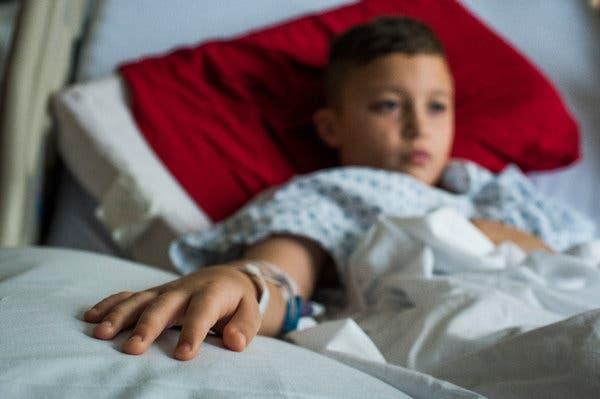 Ο γιος της πέθανε από γρίπη – Είχε συμβουλευτεί ομάδα γονιών στο Facebook