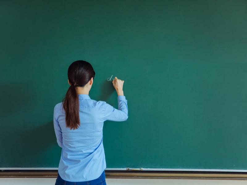 ΔΟΕ: Άδειες αναπληρωτών λόγω της εποχικής γρίπης – Τι ζητάει από το Υπουργείο Παιδείας