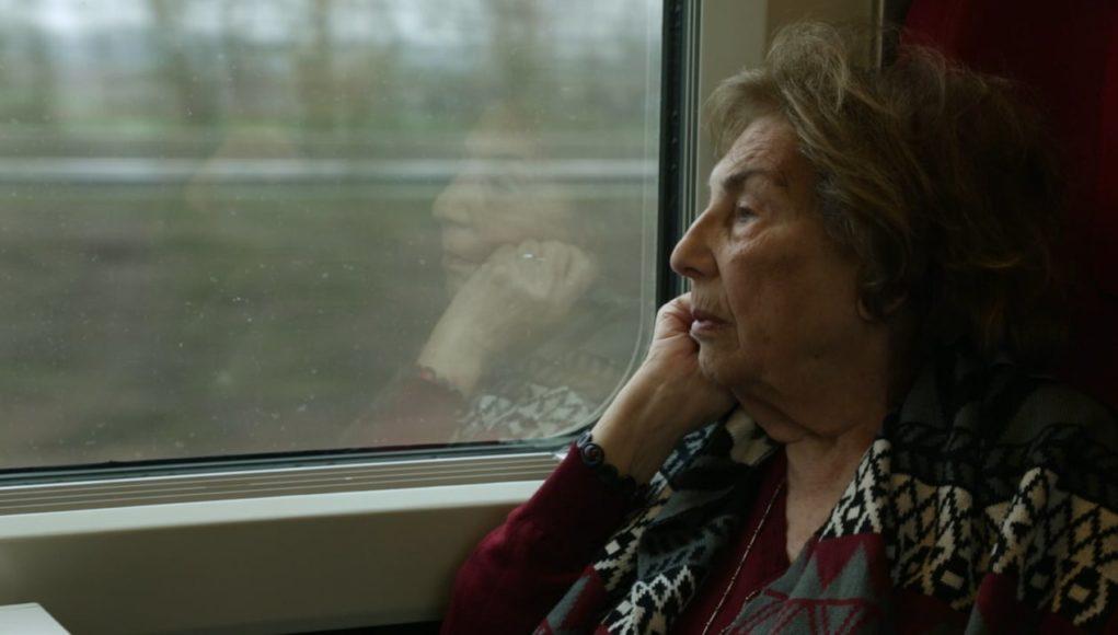 «Ο μεγάλος περίπατος της Άλκης»: Σήμερα θα προβληθεί εκτάκτως στην ΕΡΤ2 το ντοκιμαντέρ αφιέρωμα στην ζωή της Άλκης Ζέη