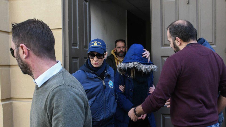 Νεκρό βρέφος στην Πάτρα: Τι έδειξε το ιατροδικαστικό πόρισμα – Η μάνα δεν έχει καταλάβει ότι το σκότωσε
