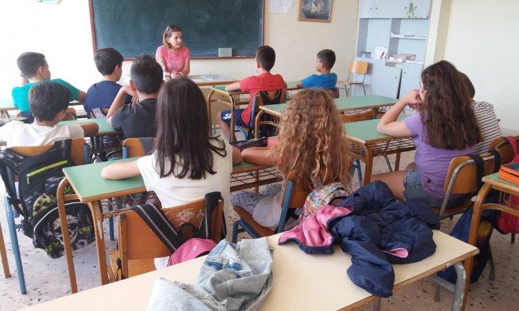 Το ελληνικό σχολείο είναι οι άνθρωποι που το δουλεύουν. Και είναι ικανοί για το καλύτερο και το χειρότερο