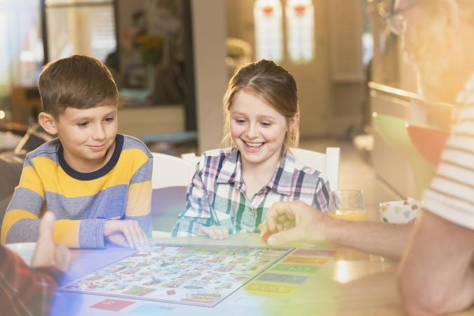 10 δωρεάν επιτραπέζια παιχνίδια για να διασκεδάσετε μικροί και μεγάλοι στο σπίτι