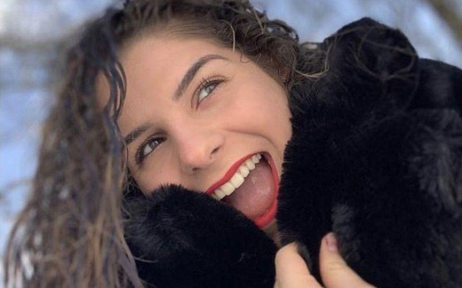 """Γαλλία: Μια 16χρονη """"έσβησε"""" από κορωνοϊό – Πώς ο βήχας της στέρησε τη ζωή"""