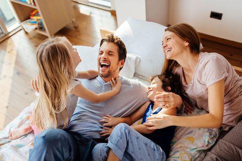 Πώς να γίνουμε γονείς με ενσυναίσθηση την εποχή της καραντίνας και του #ΜένουμεΣπίτι