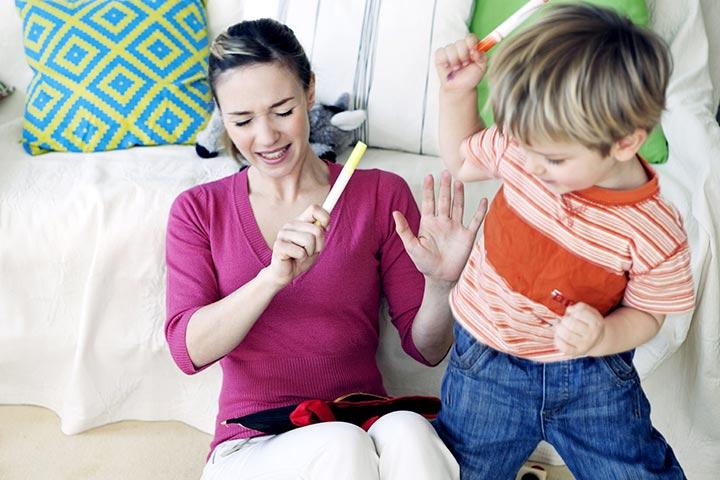 Μένουμε στο σπίτι με το παιδί με ΔΕΠΥ: Πώς διαχειριζόμαστε την υπερκινητικότητα