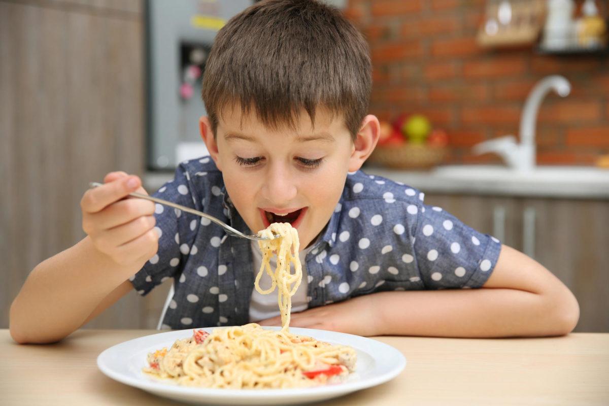Υπάρχει κίνδυνος ο κορoνοϊός να μεταδίδεται μέσω των τροφίμων; – Τι ανακοίνωσε ο ΕΦΕΤ
