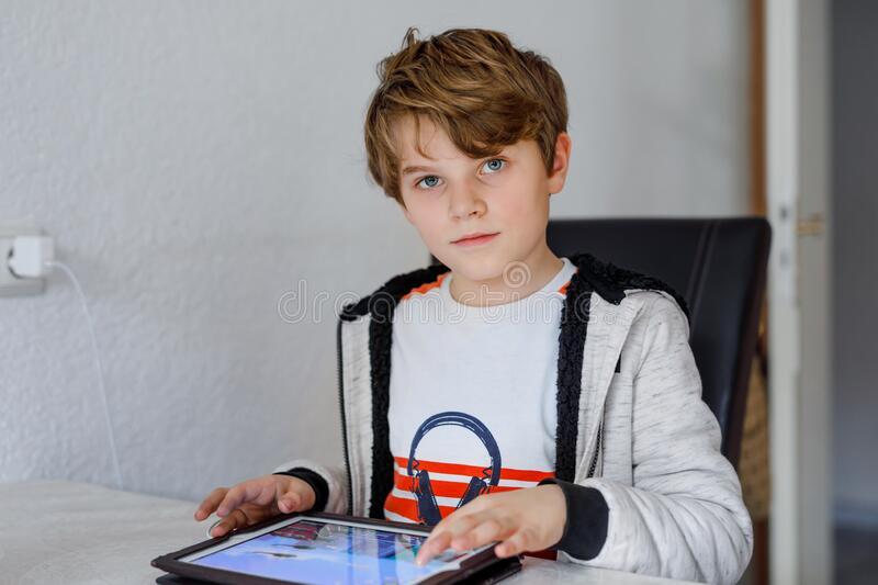 Αυτός είναι ο πρώτος Δήμος της χώρας που δίνει δωρεάν tablet, internet και εκτυπώσεις στους μαθητές