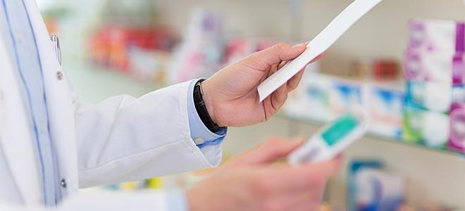 Υπουργός Υγείας – φαρμακοποιοί: «Οι ηλικιωμένοι να μείνουν σπίτι – Τα φάρμακα θα σας τα φέρει κάποιος συγγενής»