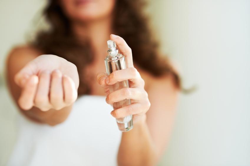 ΕΟΦ: Ανακαλούνται κρέμα σώματος, τζελ για τα μαλλιά και αρώματα – Κίνδυνος αλλεργικής δερματίτιδας
