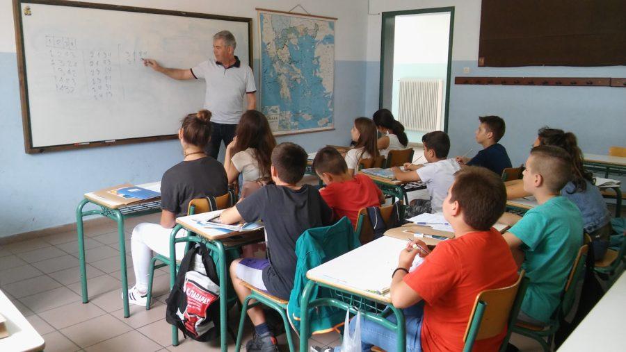 Κεραμέως: Έτσι θα γίνει το άνοιγμα των σχολείων – 1η Σεπτεμβρίου ξεκινά η σχολική χρονιά – Τι θα γίνει με τα φροντιστήρια