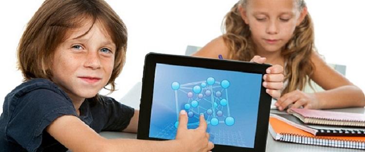 Ο Δήμος Γλυφάδας προσφέρει tablet σε κάθε μαθητή που το χρειάζεται ...