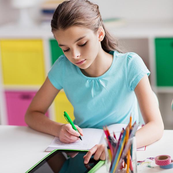 Πράξη Νομοθετικού Περιεχομένου: Τι ορίζει για τους παιδικούς σταθμούς και τη διανομή tablet στα σχολεία