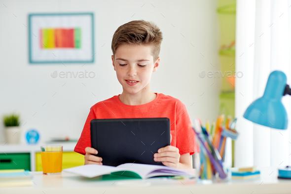 Ακόμα ένας Δήμος προσφέρει στους μαθητές δωρεάν tablet και σύνδεση στο ίντερνετ