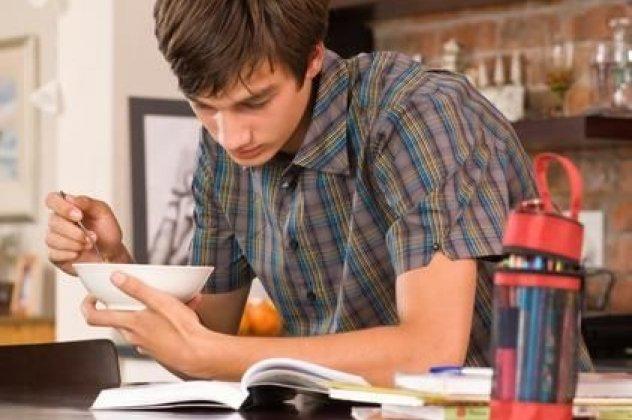 Πανελλήνιες εξετάσεις: Ένα προς ένα τα θρεπτικά συστατικά που πρέπει να περιλαμβάνει το πιάτο του μαθητή