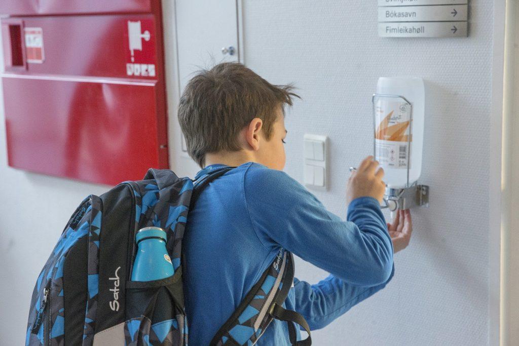 Με ασφάλεια στο σχολείο: 4 συμβουλές για να ΜΗΝ αρρωστήσουν τα παιδιά, επιστρέφοντας στα Δημοτικά και τα Νηπιαγωγεία