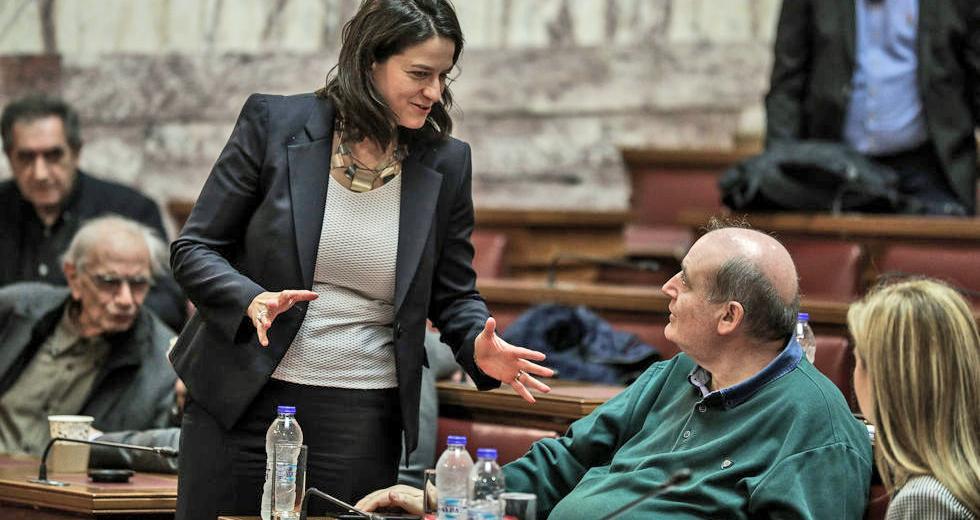 Κεραμέως – Φίλης: Κόντρα στη Βουλή για τα προσωπικά δεδομένα και την ζωντανή αναμετάδοση του μαθήματος