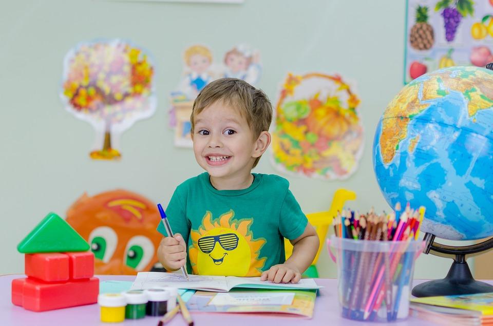 Μπορεί το ιδιωτικό σχολείο να ΜΗΝ επανεγγράψει το παιδί μου αν χρωστάω;