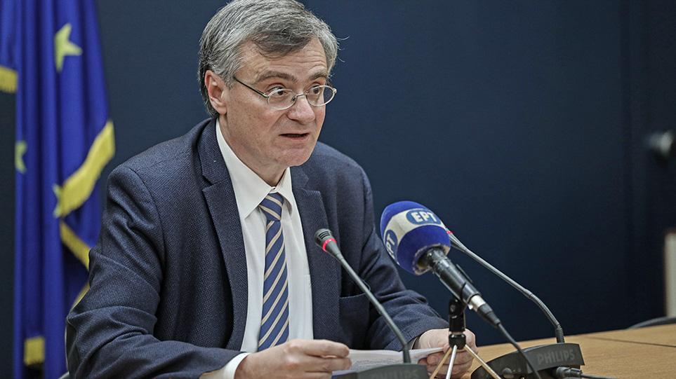 Κύριε Τσιόδρα, τι θα κάνατε αν ανήκατε σε ευπαθή ομάδα και έπρεπε να στείλετε τα παιδιά σας στο σχολείο;