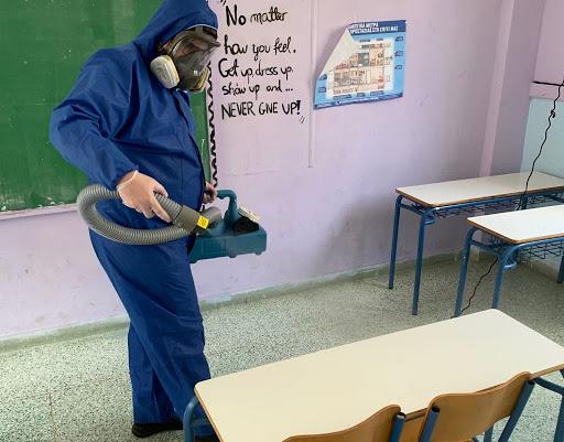 Δ. Αθηναίων: Απολυμάνσεις, καθαριστικά και αντισηπτικό υλικό σε 59 σχολεία