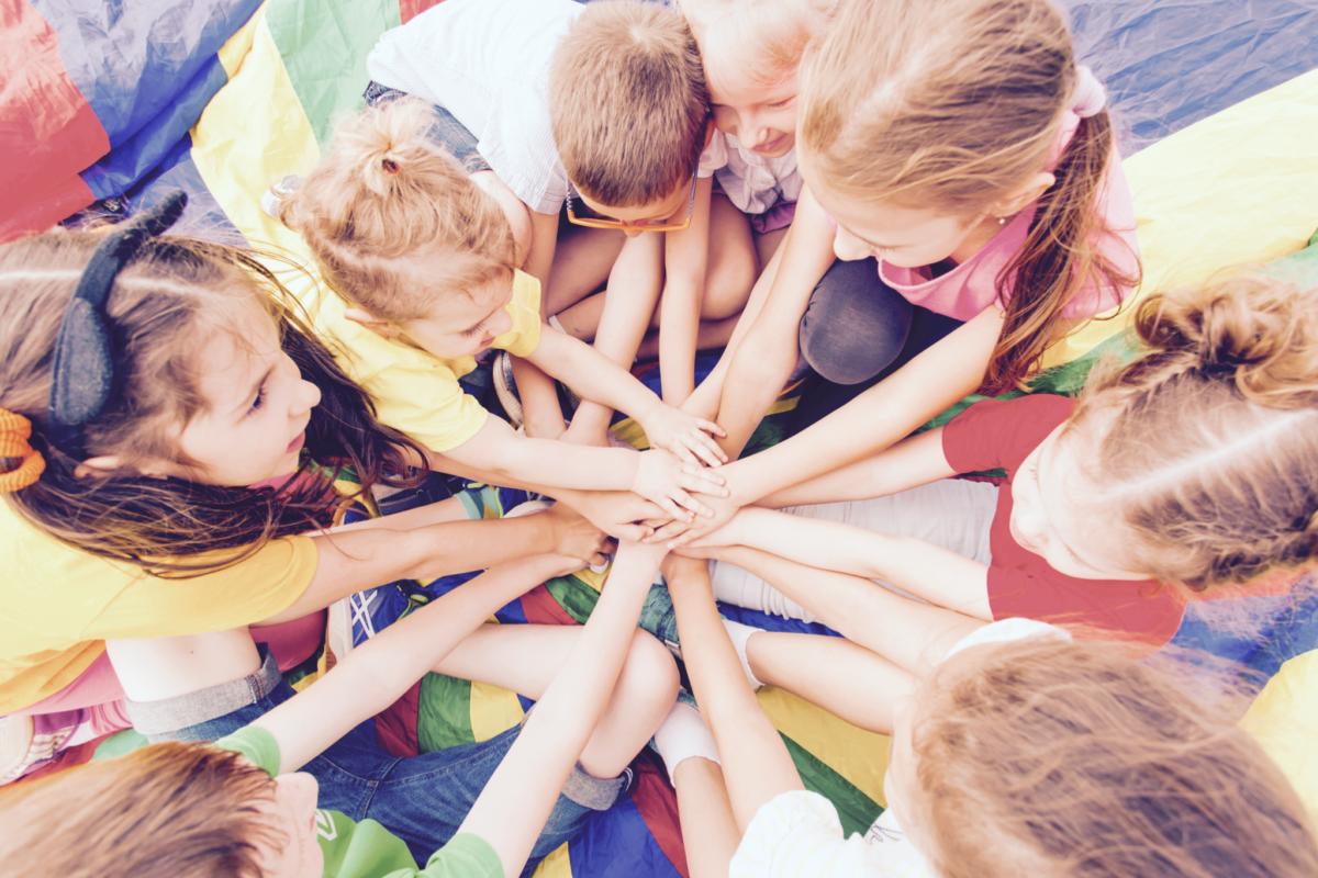 Καλοκαίρι 2020: Η ΔΟΕ χρηματοδοτεί τη φιλοξενία 500 παιδιών εκπαιδευτικών σε κατασκηνώσεις σε όλη την Ελλάδα