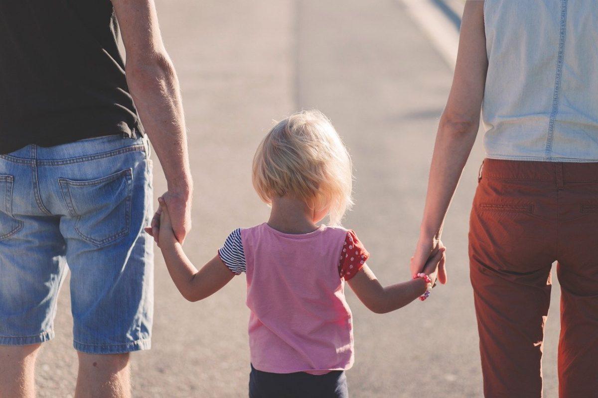 Άνοιξε η πλατφόρμα για το επίδομα παιδιού – Τι πρέπει να γνωρίζουν οι δικαιούχοι