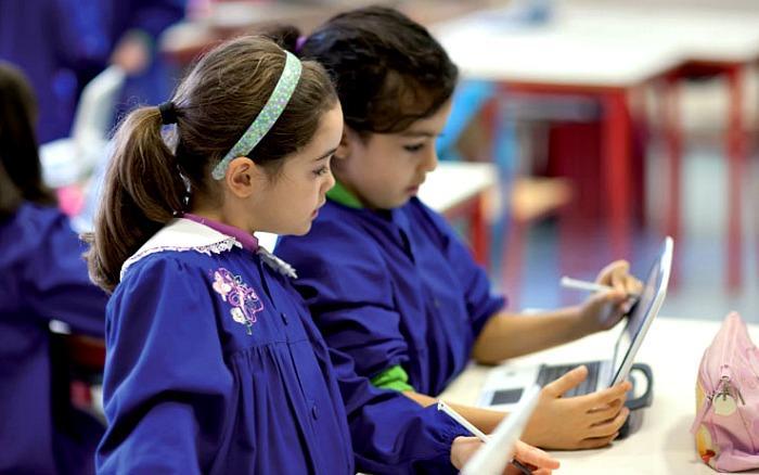 Ιταλία: Ανοίγουν 3.000 επιπλέον σχολικά κτίρια και προσλαμβάνονται 50.000 εκπαιδευτικοί για πιο αραιές τάξεις