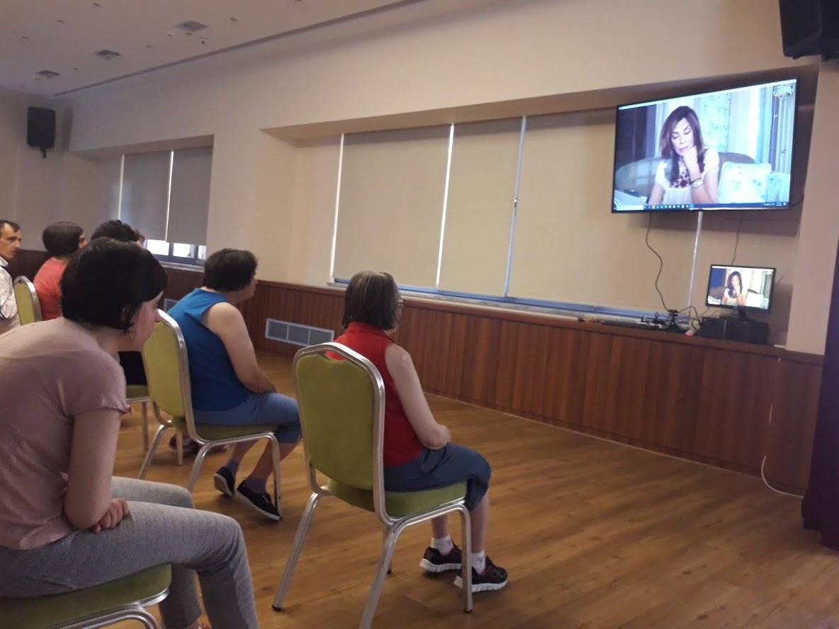 Συγκίνησε η απομακρυσμένη αφήγηση της Μιμής Ντενίση στα παιδιά του Συνδέσμου Προστασίας Παιδιών και ΑμΕΑ