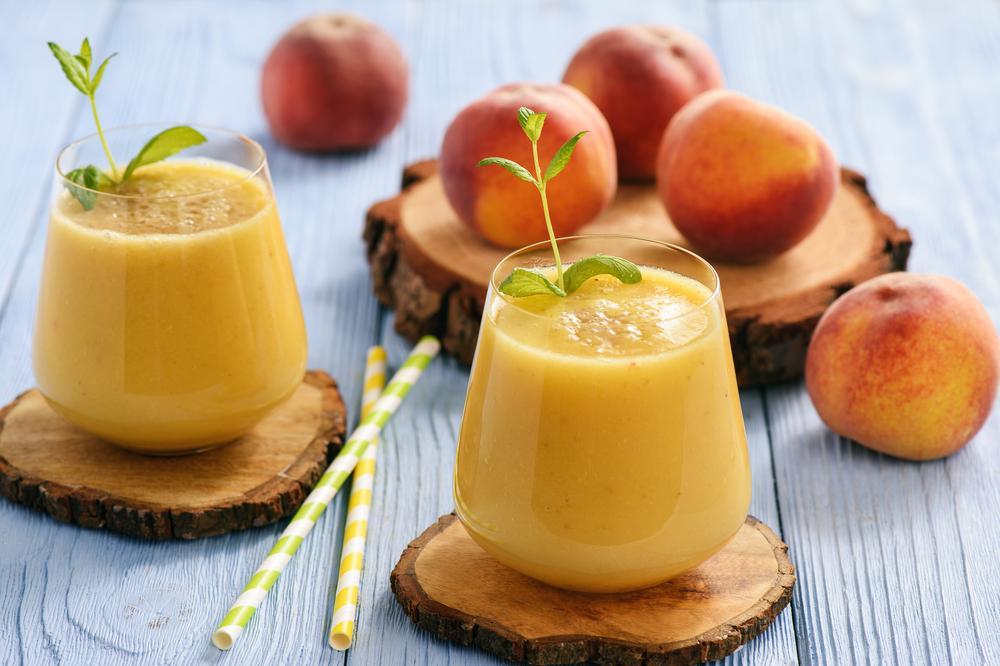 4 δροσερά και θρεπτικά καλοκαιρινά smoothies που θα πιουν τα πιτσιρίκια μονορούφι!
