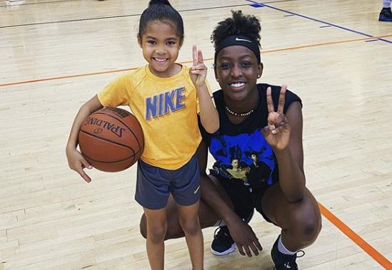 Πιτσιρίκα – θαύμα έχει τρελάνει το ΝΒΑ με το ταλέντο της στο μπάσκετ!