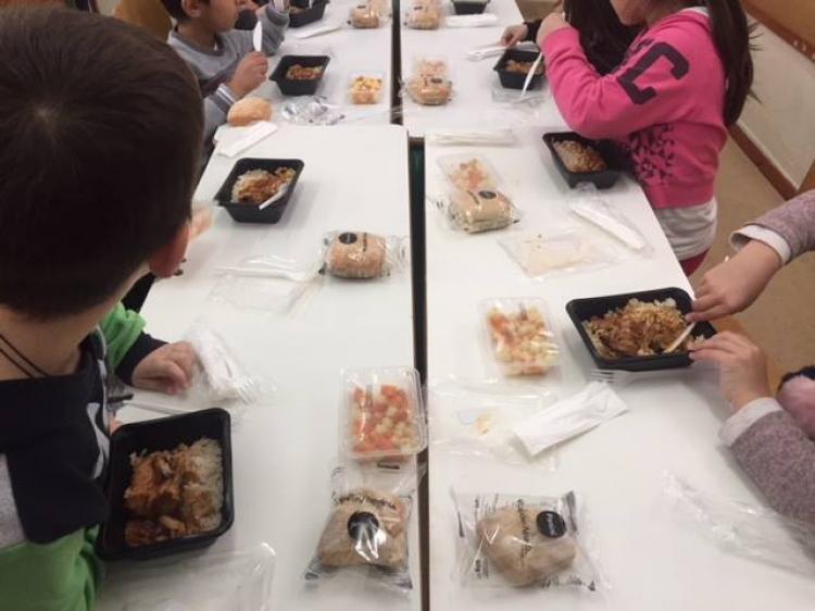 Τα Σχολικά Γεύματα συνεχίζονται κανονικά σε όλα τα Δημοτικά Σχολεία