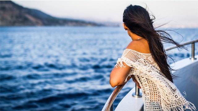 Αν έχεις μπει σε προεμμηνόπαυση, πρόσεξε τα παρακάτω το καλοκαίρι
