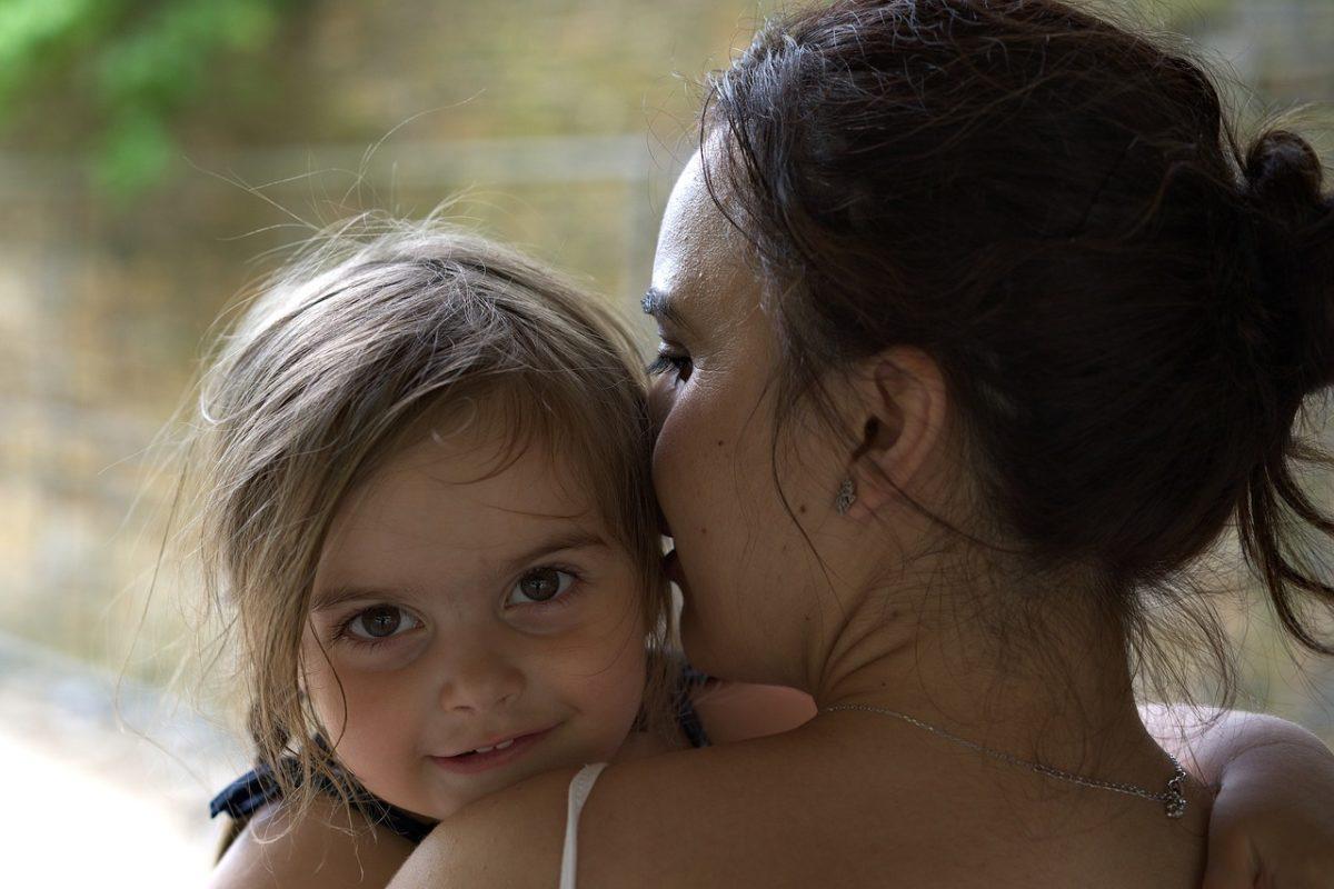 «Διαγνώστηκα με την πιο σπάνια μορφή καρκίνου μόλις γέννησα. Πίστεψα ότι θα πεθάνω»