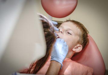 οδοντίατρος παιδί